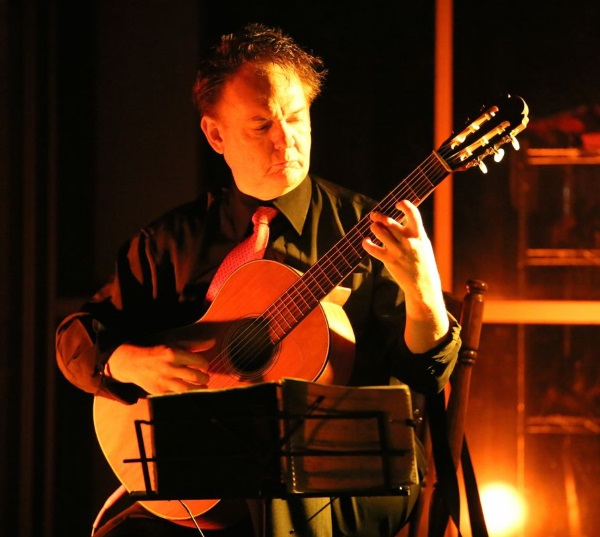 Peter Inglis performing his 'Baroque to Rock' program.